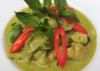 Green Curry with Chicken (Kaeng Keaw Waan Kai)